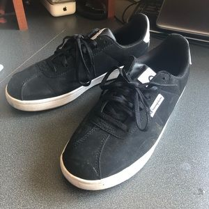 CHAMPION Rally Court Sneakers (Size 8.5)